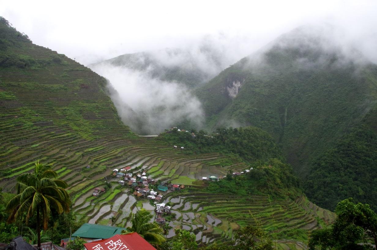 Niché dans les montagnes, le village de Batad